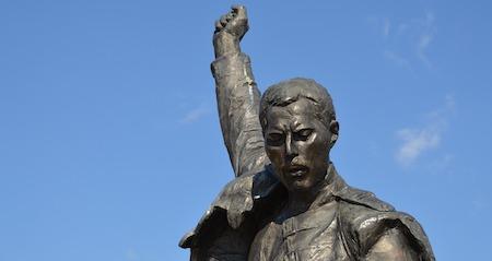 Životní příběh: Freddie Mercury - 5.9.1946 - 24.11.1991
